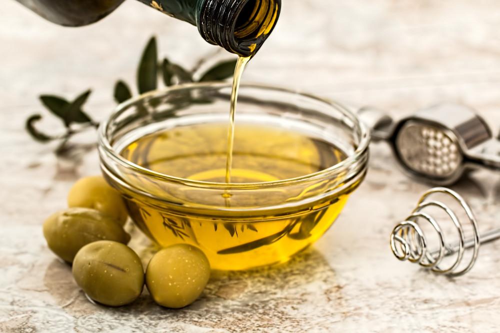 El aceite de oliva: las características que lo convierten en un auténtico superalimento
