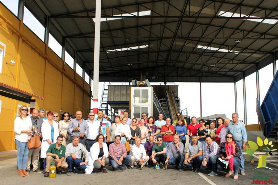 Jóvenes emprendedores de Almería conocen el AOVE Óleo Jarico